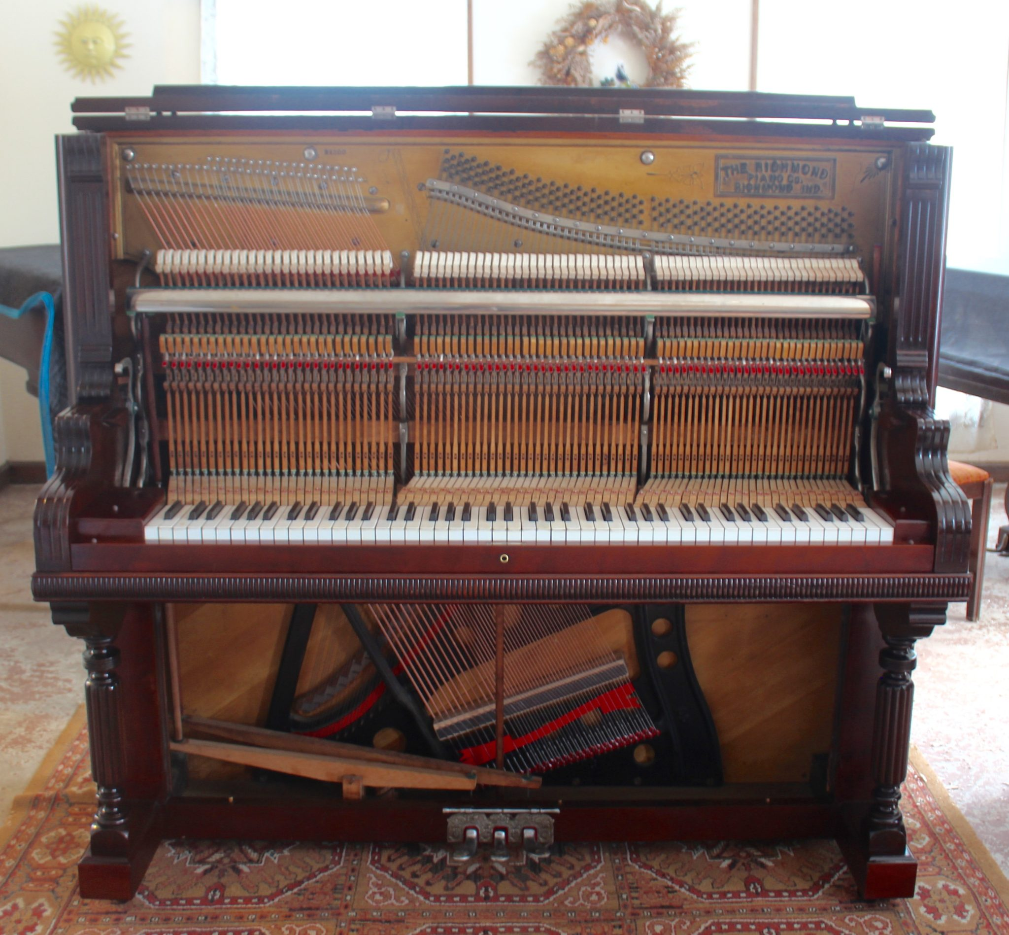 hmond Upright Full Action